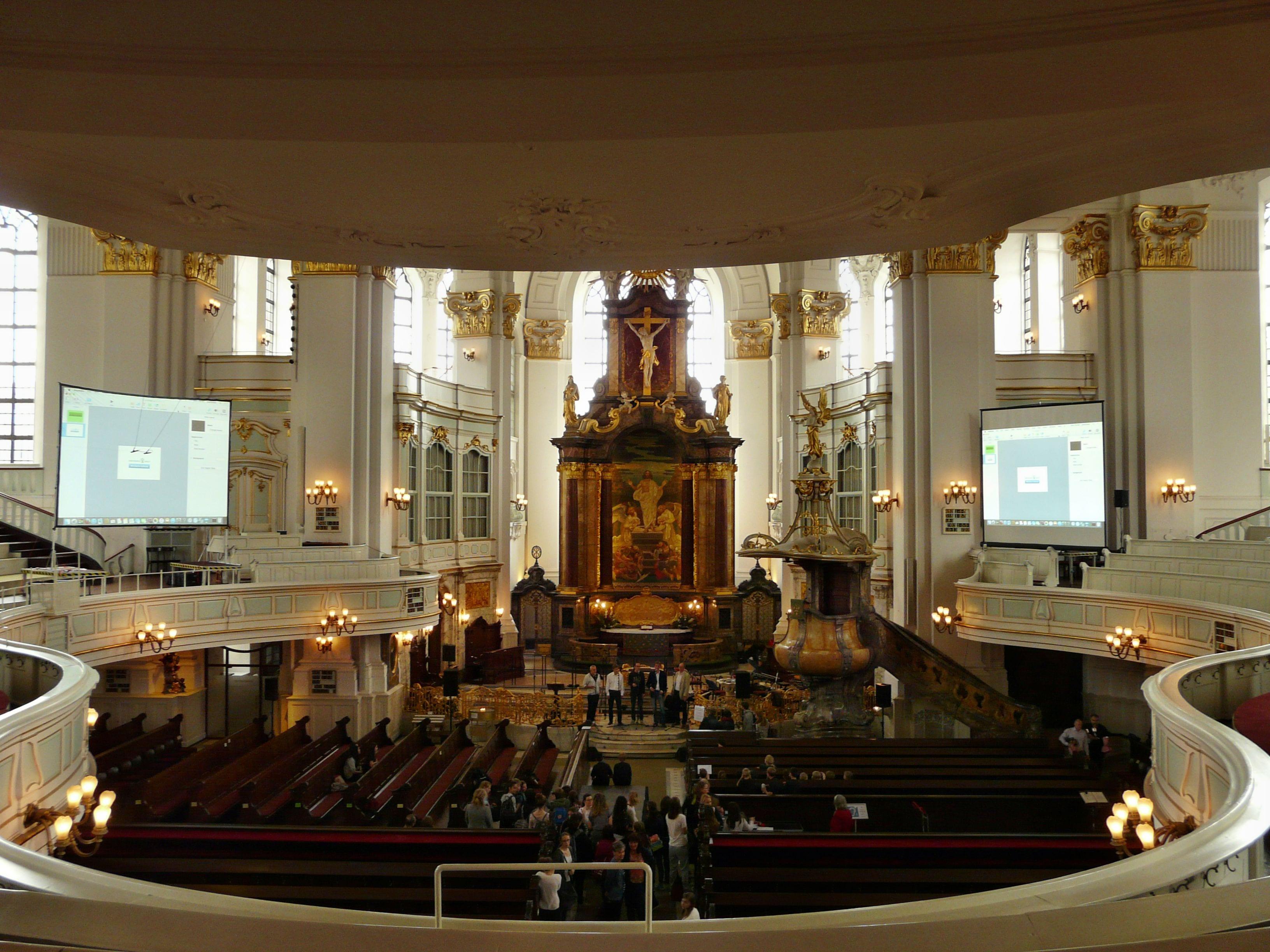 Gain 1 Leinwände in der St. Michaelis Kirche Hamburg