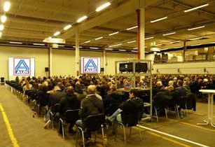 Betriebsratssitzung Aldi Nord duale 16.000 ANSI Lumen Großbildprojektion