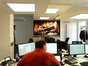 Displaysplittwand Videowall Displaywand im Newsdesk der Ostseezeitung Stralsund