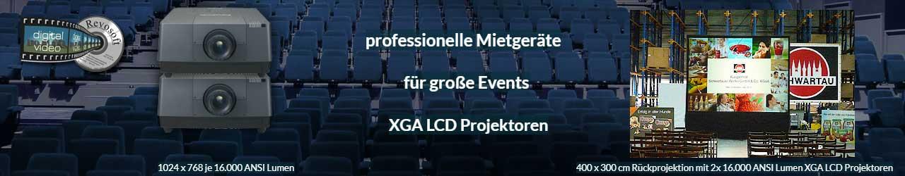 Eventprojektoren für Veranstaltungen und Events Beispiel: gestackte Rückprojektion mit 32.000 ANSI Lumen bei den Schwartauer Werken